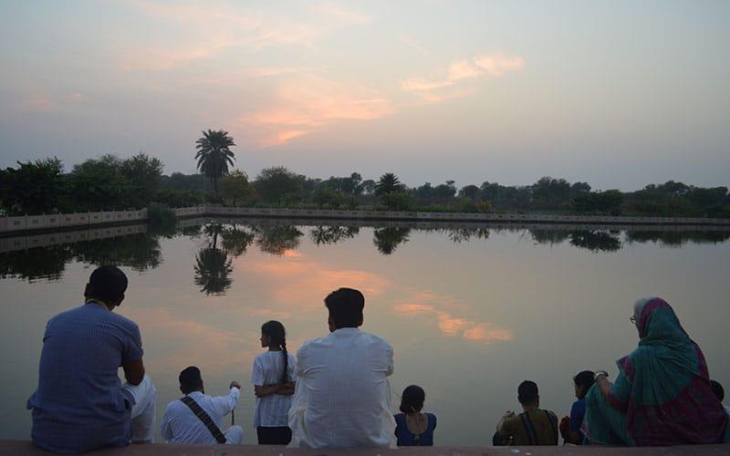 Facilitate Spiritual Retreat